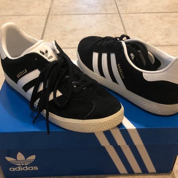 premium selection biggest discount top design Youth Gazelle Adidas Black Originals